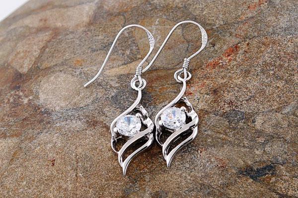 NEW Women Wedding Earrings Pretty White/Purple Amethyst CZ Gemstone 925 Sterling Silver Ladies Huggie Stud Earrings