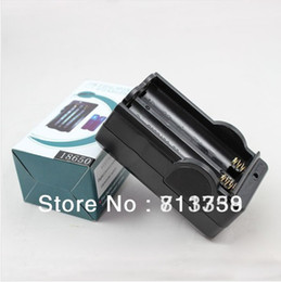 Wholesale ion wireless - Free shipping 1pcs 18650 Battery Charger Two Line 18650 Li-ion Batteries Wireless with Anti-overcharge Smart Charger