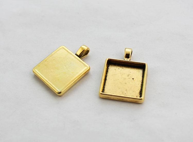 10st Antiqued Gold 25mm Square Pendant Brickor Cabochon Inställningar # 23439