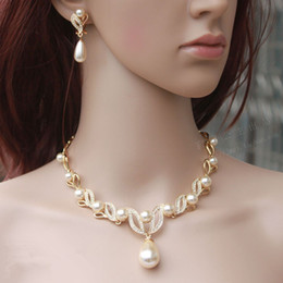 Wholesale Gold Plated Bridal Wedding Sets - Gold Plated Cream Pearl Drop Pearl and Rhinestone Crystal Bridal Necklace and Earrings Bridal Jewelry Sets