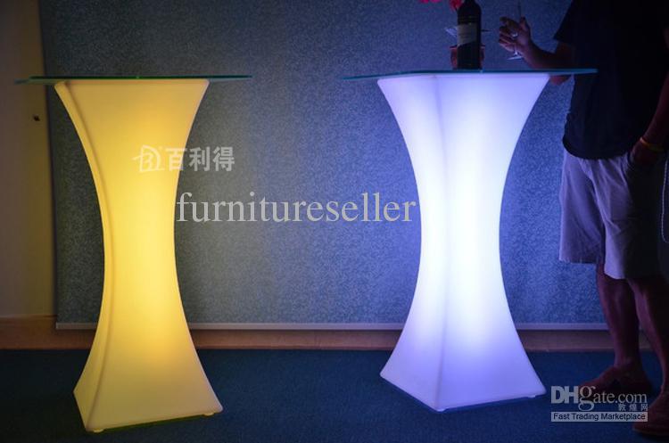 Yeni moda Led mobilya RGB renk Kokteyl masa su geçirmez Resepsiyon masa düğün parti bar kaynağı 1 takım / grup