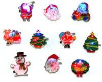 Wholesale Led Flash Badge - Wholesale christmas decoration supplies flash brooch flashing lovely badge Mixed delivery led toy Includ electronic