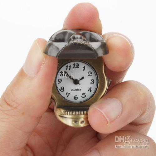 Clásico de latón antiguo cráneo esqueleto reloj de metal llavero llavero anillo de cadena de bolsillo llavero collar de bolsillo relojes mujeres hombres portátiles