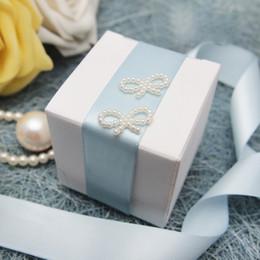 Nuevas llegadas - 100pcs 5cm * 5cm * 5cm Caja blanca del favor de la boda Regalo / Cajas de dulces Decoración de la boda desde fabricantes