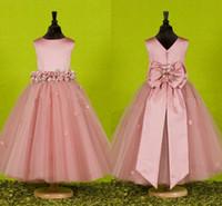 vestido de lazo con lazo atrás al por mayor-2019 Customeded Princess Princess Pink Flower Girl Dresses V-Back Ribbon Bow Nnot Cintura Longitud del piso de tul Vestidos de bola Vestidos para niñas Vestidos