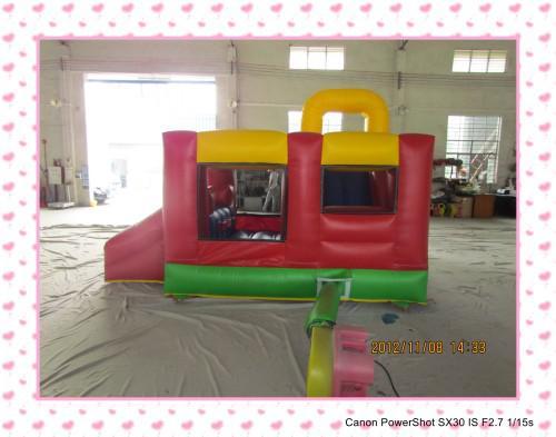 Uppblåsbara trampolin uppblåsbara glid uppblåsbara bouncerhoppningsbädd Trampolin Inomhusleksak med luftblåsare för fri frakt