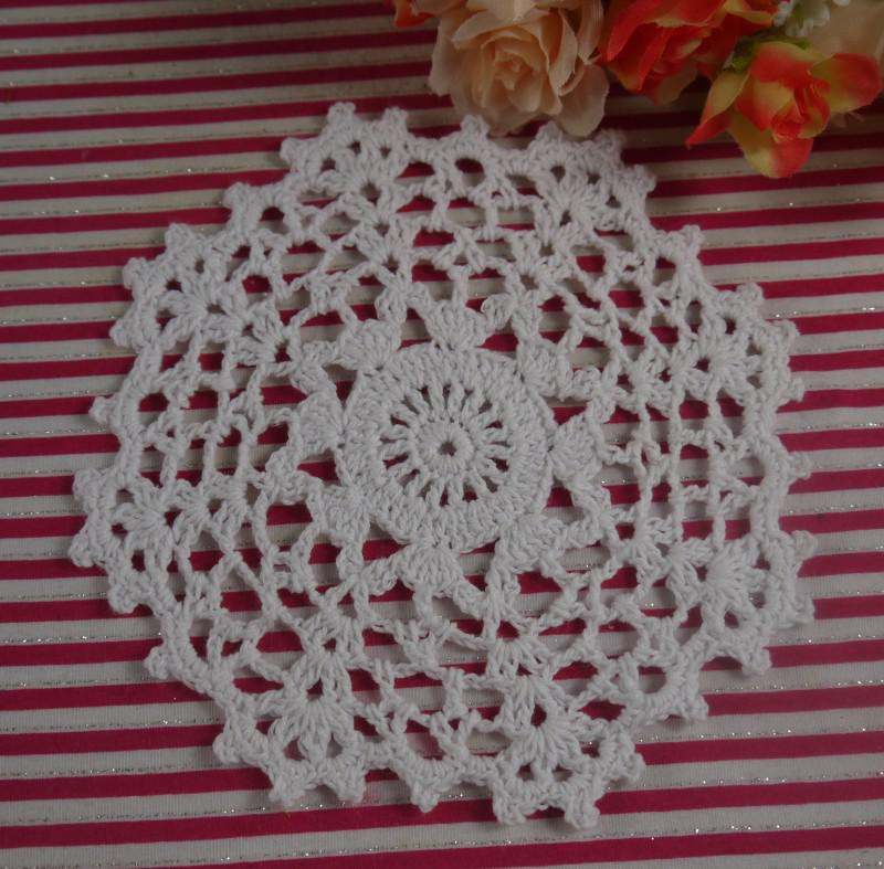 EMS Free Shipping Wholesale100% cotton crochet doilies table mat coaster placemats for table, appliques 14x14CM 550PCS/LOT