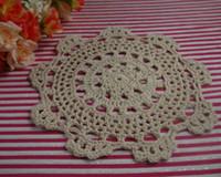 free crochet doily muster großhandel-Ems-freie Verschiffen Großverkauf-100% Baumwollhäkelarbeitmuster Doily Untersetzer Vase-Padmatte Tischdecken 18-20cm Weiß Ecru Rosa