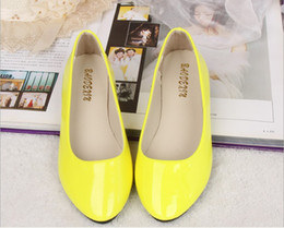 pointy flats shoes 2018 - New Pointy Flats, European style candy color PU shallow mouth single shoes free shipping cheap pointy flats shoes