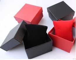 fedex boxes grátis Desconto Muito 200 pcs relógios de luxo relógios caixa de papel caixa de relógio com caixas de presente de papel de travesseiro caso para caixa de jóias de cor vermelha ou preta livre Fedex
