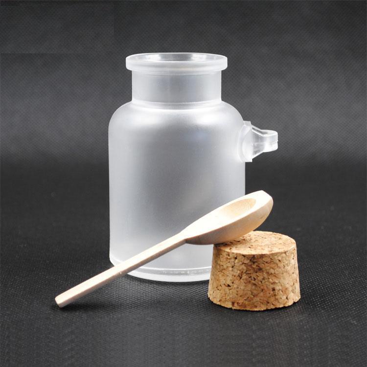 Nachfüllbare Plastikverfassungs-Flaschen-Gesichtscreme-Behälter 200ml mit hölzernen Deckeln und kosmetischen Gläsern der Löffel-Hautpflege-Werkzeuge / DC706