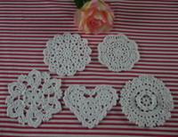 free crochet doily muster großhandel-Ems versandkostenfrei großhandel 750 stück handarbeit häkelmuster 5 designs doily cup pad mattern untersetzer benutzerdefinierte farben