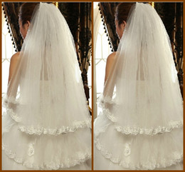 Wholesale Two Tier Fingertip Veil - Free Shipping Cheapest 2015 Tulle Lace Bottom Appliques Bridal Veils Finger Length 39 Inch Two Tiers Short White Veil with Comb YV-9