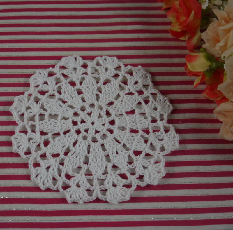 20131027 innovative items doilies crocheted Mat Pads white cotton crochet fabric 12-13cm,