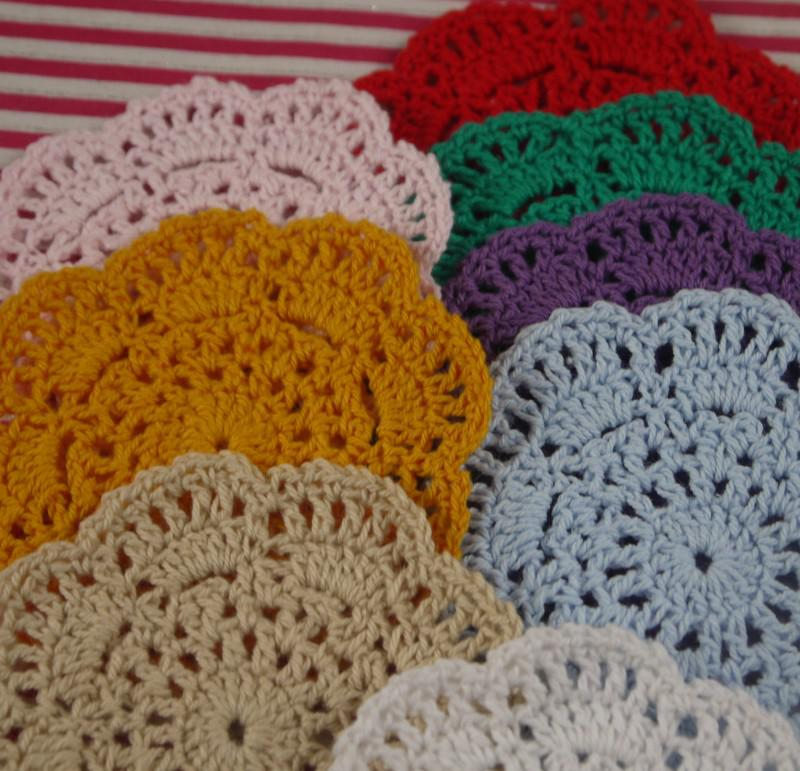 Hand White Crochet Doily Vintage Round Crocheted Doilies 10x10cm Cup Mat Placemats