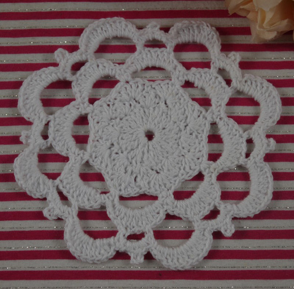Free Shipping 30Piece Handmade Crochet pattern Placemats doily Vintage cup Pad mats tablecloth coasters 11cm Custom Colors