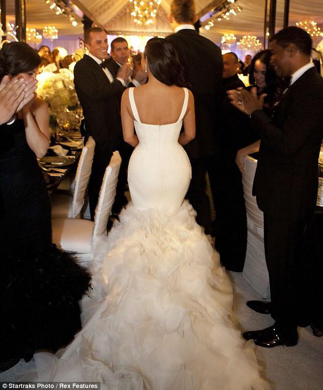 2014 kim kardashian mermaid wedding gowns actual image lace ruffle 2014 kim kardashian mermaid wedding gowns actual image lace ruffle celebrity wedding dresses 2014 junglespirit Image collections