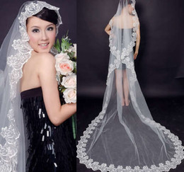 China New 2019 Fast Delivery Hot Sale Big Discount One Layer Lace Edge Best Price Bridal Veil Formal Wedding Veil For Ladies Cheap Long cheap white embroidered veils suppliers