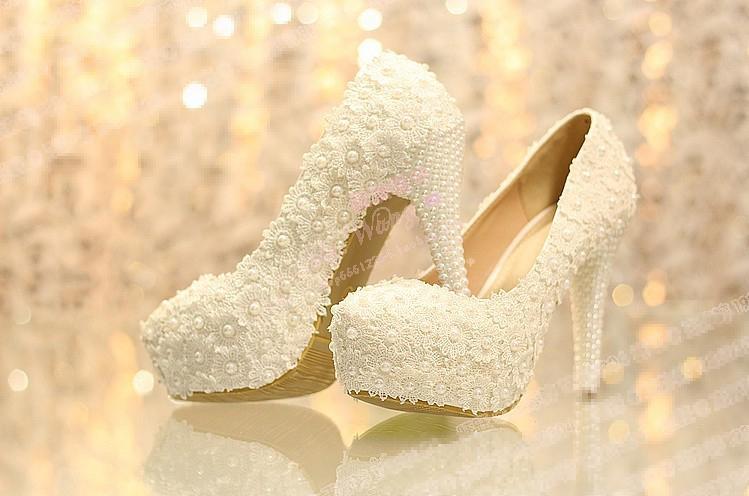 美しいプラットフォームハイヒールのドレスシューズブライダルのウェディングドレスシューズイブニングドレスシューズ記念党のパーミの靴花嫁介添い靴