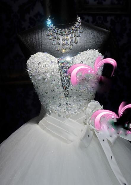 Venda quente shimmer organza apliques muitos frisada castelo A linha babados vestidos de noiva glitter lantejoulas lace-up querida vestidos de flores