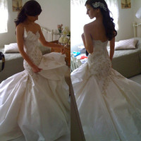 Wholesale Mermaid Handmade Flower Sweetheart - 2014 New Arrival Mermaid Tiered Taffeta Sweetheart Christmas Wedding Dresses with Beaded Embroidery Handmade FLower Chapel Train Dhyz 01