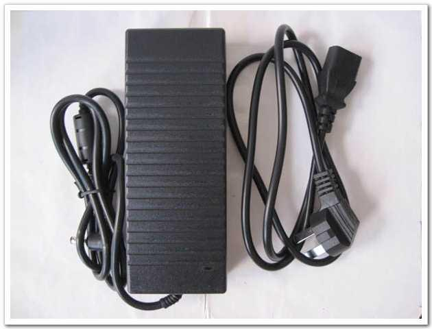 12V 10A 120W DC 5.5x2.5mm AC / DC 어댑터 전원 공급 장치 AC 케이블 충전기 AC 100V-240V 전원 어댑터 도매 고품질