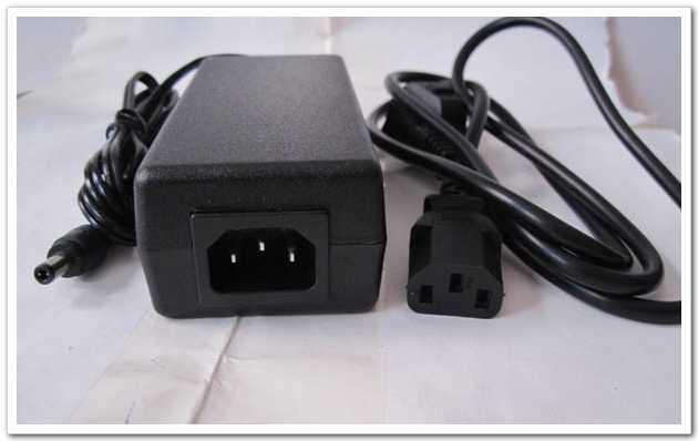10ピース12V 7A 84W DC 5.5x2.5mm AC / DCアダプター電源ACケーブル充電器AC 100V-240V電源アダプター卸売高品質
