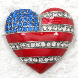 Argentina 12 unids / lote venta al por mayor Crystal Rhinestone US Flag broches en forma de corazón broche de regalo de moda joyería regalo C347 Suministro