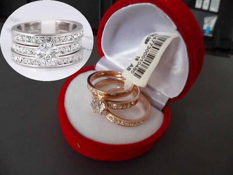 Ladies Dazzling Wedding Band Simulated Diamond Rings for women ,18k gold-plating ring ,bague Never fade with box