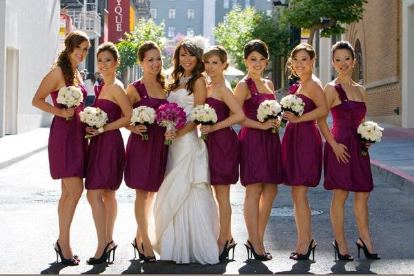 Hot Selling A Line Knee Length Purple Taffeta Garden Bridesmaid Dresses Pleats Beads Cheap Strapless Bridesmaid Gowns Sexy Designer Bow