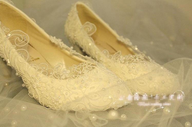 Gratis frakt Lace Bröllop Bröllop Klänning Skor Ultra Lyxigt Vit Övre Beaded Bröllopsgåva Fashion Dancing Party Skor