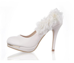 Barato Sapatos De Noiva Bombas Brancas-2015 Sweet White Wedding Party Shoes Thin High Heels Flower Nupcial Shoes mulher bombas venda quente