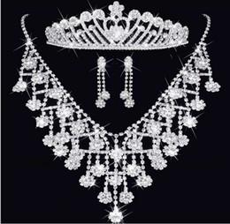 Mode diamant cristal diadèmes couronne boucles d'oreilles collier bijoux de mariée ensembles couronne peignes accessoires de cheveux de mariage partie charme ensemble de bijoux ? partir de fabricateur