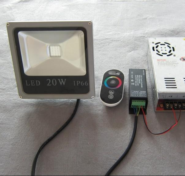 controllore wireless 4 connessione wiries impermeabile DC12V rgb 10w ha condotto la luce di inondazione utilizzata musei e showroom d'epoca