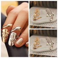 diamantes de uñas al por mayor-10 unids / lote Exquisito Lindo Retro Reina Libélula Diseño Rhinestone Ciruela Serpiente de oro / Anillo de plata Anillos del clavo del dedo