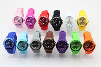 Montre 400pcs / lot 13colors montre homme coloré 4.3cm Candy Jelly Silicone Watch Ladies bracelet