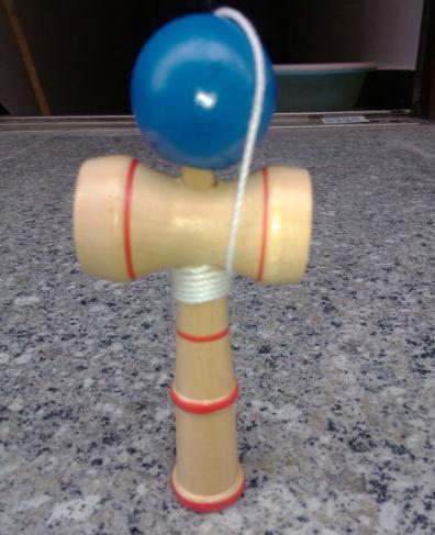Grappige Bahama Traditional Wood Game Skill Kendama Ball