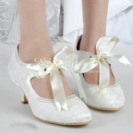 Wholesale Ivory Bow Kitten Heels - 2016 Satin Bridal Shoes Lace Wedding Dress Shoes fashion New High Quality Round Toe Pumps Ivory Bowtie Evening Party Shoes