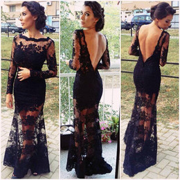 Noir Sexy À Travers Les Robes Pas Cher-2017 Robes de bal Voir à la dentelle Long Sleeve Backless Vestidos Sheer Black Floor Length Arabic Tenues formelles de soirée