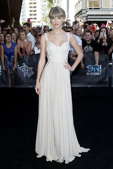 Custom made Ivory Taylor Swift Sexy Spaghetti Straps Sweetheart Chiffon Celebrity Dresses Sheer Lace Floor Length Evening Gown