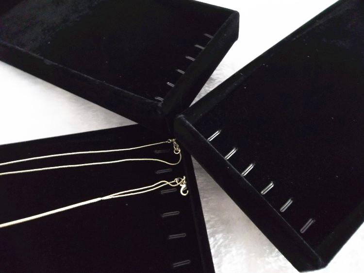 Ice Velvet Small Cute Bracelet Necklace Display Box Storage Organizer Jewelry Showcase Tray