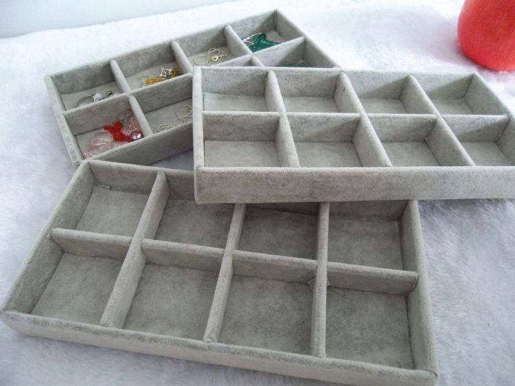 送料無料アイスベルベット3個/ロット8グリッドジュエリーオーガナイザートレイローズレッドブラックグレーブラウンベルベットジュエリーディスプレイギフトボックス
