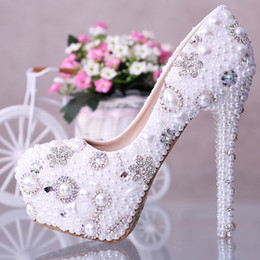 Wholesale High Heels Diamond Crystal Ladies - 2015 New Fashion Pearl Crystal Diamond Beaded wedding shoes bridal shoes waterproof Slip On high Heels Lady Pumps