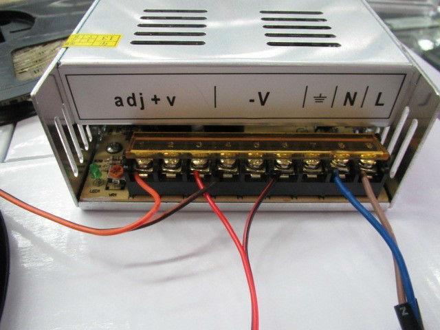 Gratis Express till World   AC / DC 12V 30A Universal reglerad växling av nätadapter LED-strömförsörjningstransformatoradapter