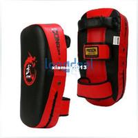 Wholesale Punching Bag Boxing - Muay Thai Kick Boxing Strike Curve Pads Punch MMA Focus Target Pad Red & BlackFree Shipping