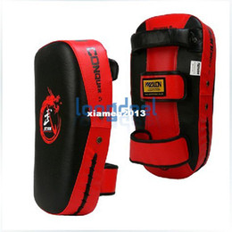 Wholesale Punch Target - Muay Thai Kick Boxing Strike Curve Pads Punch MMA Focus Target Pad Red & BlackFree Shipping