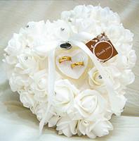 mavi gül düğün yüzüğü toptan satış-Beyaz Pembe Kırmızı Mor Mavi Kristal Inci Kristal Organze Saten Dantel Taşıyıcı Yüzük Yastık Çiçek Gül Yastıklar Gelin Boncuklu Düğün Iyilik Kutusu