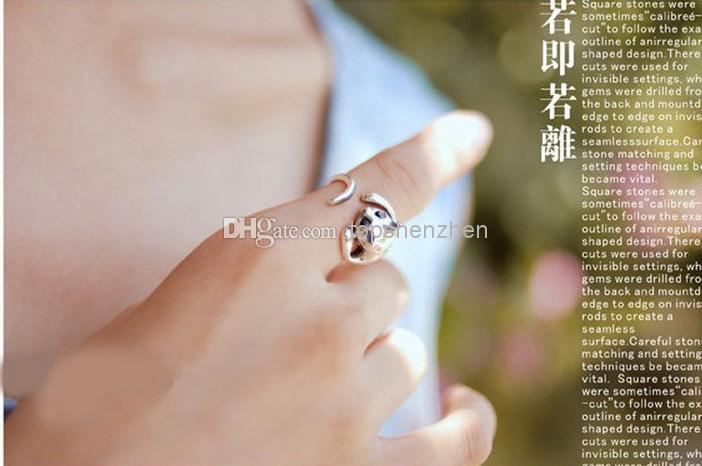 Adjustable Cat Ring Animal Fashion Ring With Rhinestone Eyes djustable and Resizeable
