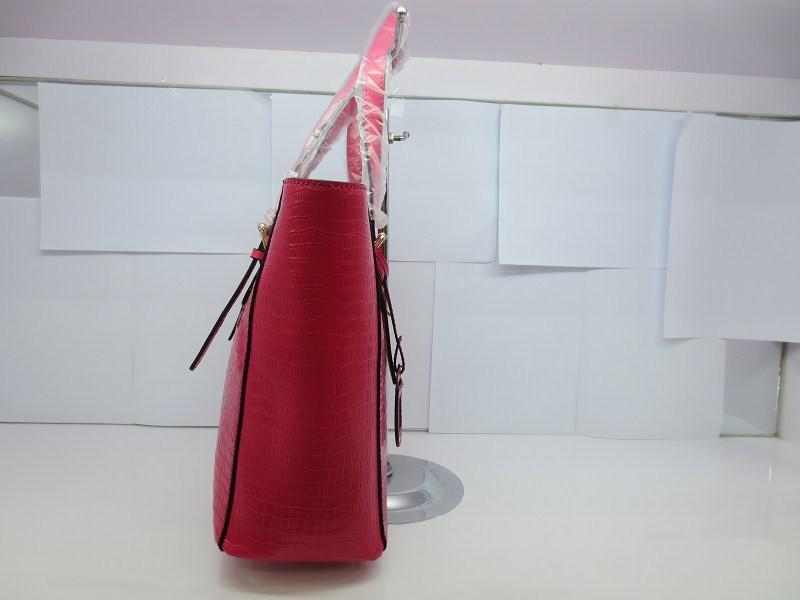 Bolsos de cuero con descuento Bolsas de piel de cocodrilo de moda de múltiples funciones de piel de vaca bolsas 30 * 28 * 12 cm envío libre rápido