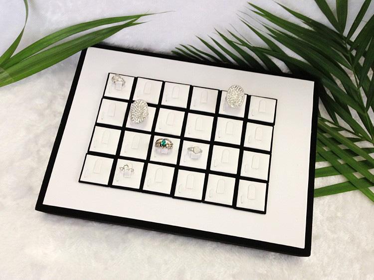 Hohe Qualität Schmuck Display 20 Stücke Ringplatten balck und weiß Pu-Fach Ring Display Halter Schmuckständer